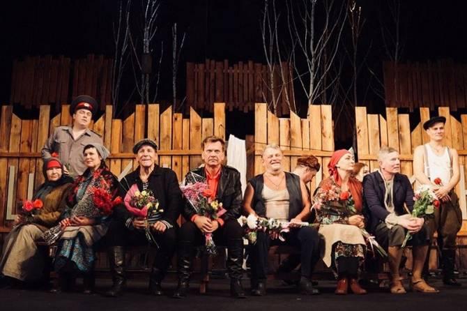 В Брянске зарплаты театральных работников увеличили на 30 процентов