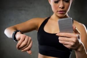 В Брянске у девушки украли телефон в раздевалке фитнес-клуба