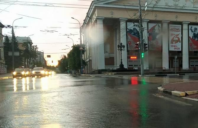 Супертехнология: В Брянске дождевая вода избегает ливневку