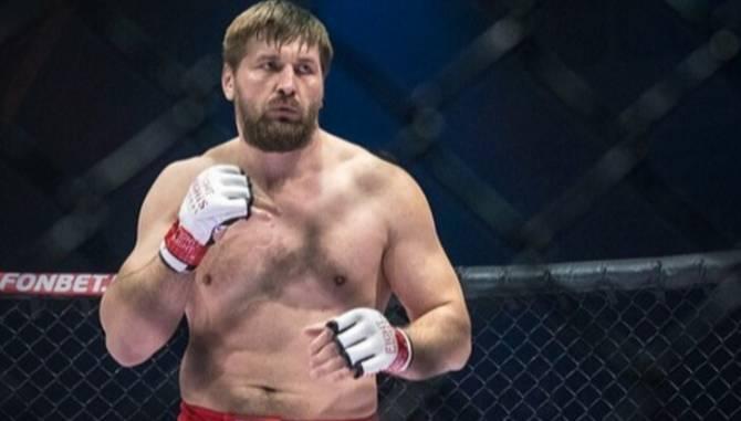 Брянский боец Виталий Минаков проведет очередной бой этой осенью