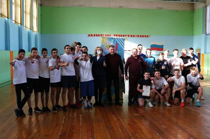 В Брянске организовали футбольный матч для нацдиаспор