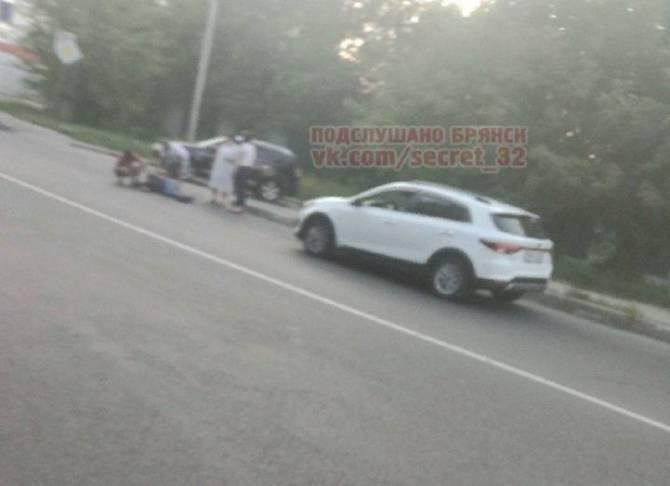 В Брянске на Станке Димитрова рядом с БГИТУ легковушка сбила человека
