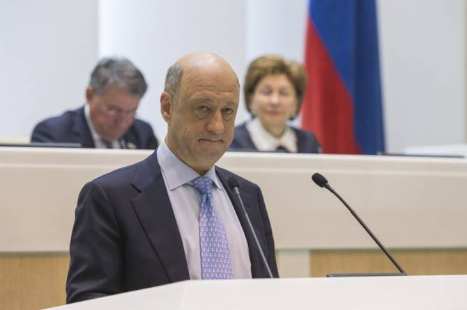 Брянцам предложили платить 10 тысяч рублей за рождение в России
