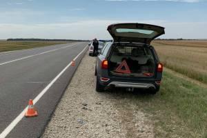 Под Севском водитель снес зеркало автомобилю и скрылся