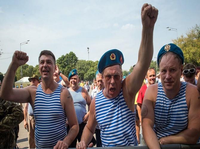 В Брянске из-за ареста чиновника Шарова предложили отменить шествие на День ВДВ