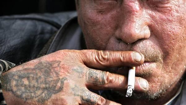 В Выгоничском районе пожилой уголовник обокрал односельчанина