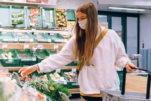 В Брянской области главам районов поручили следить за ношением масок в магазинах