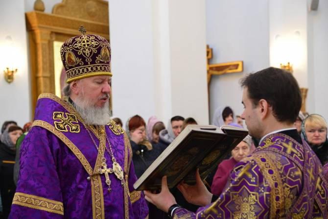 Брянский митрополит Александр призвал усилить молитвы из-за коронавируса