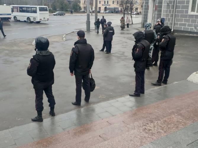 Полиция перекрыла лестницу на бульваре Гагарина в Брянске