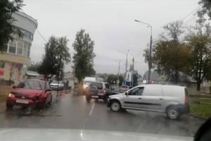 День освобождения Дятьково отметили аварией на центральной улице