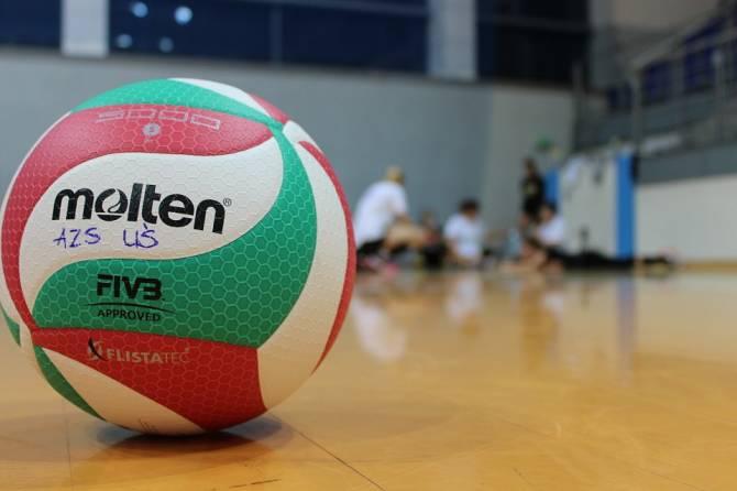 В Погаре прошел рождественский турнир по волейболу