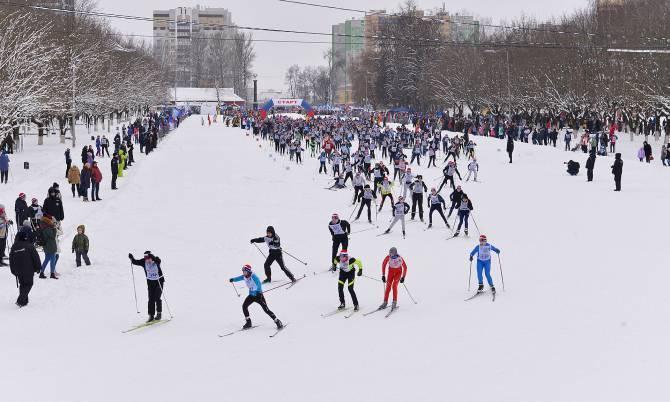 В Брянске расчищают трассы для «Лыжни России»