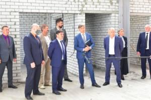 Ход строительства брянских стадионов оценил представитель Минспорта