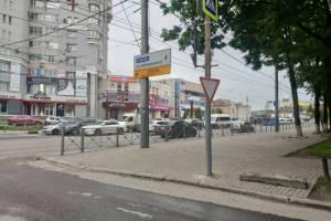 В Брянске снесли два «памятника глупости чиновников»