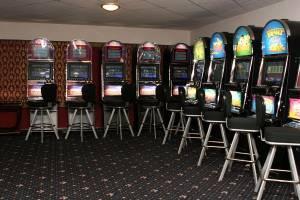 В Брянске осудят организаторов сети нелегальных казино