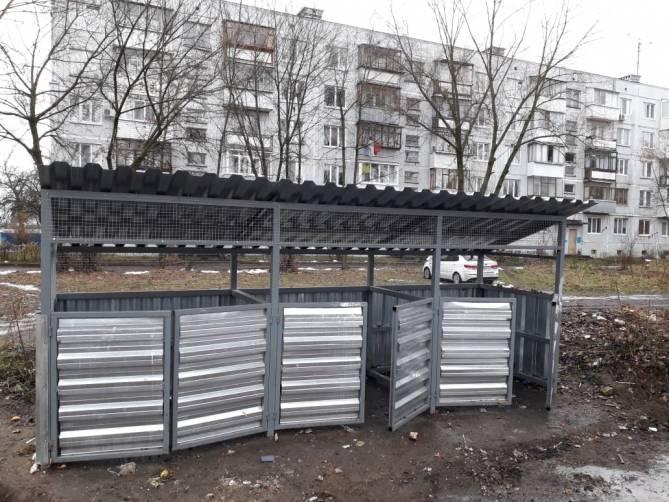 В Брянске начали пропадать двери контейнерных площадок