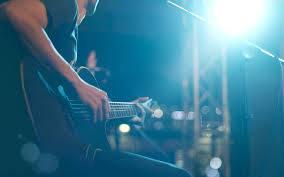 Брянцев позвали отметить День влюбленных музыкой