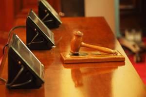Брянского уголовника осудили за украденный макет ружья