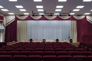 В Новозыбкове отремонтировали актовый зал музыкальной школы имени Кобзона