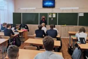 Брянским школьникам напомнили о важности ремней безопасности