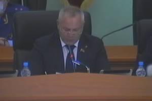 Глава Брянской облдумы Суббот провёл заседание без маски