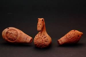 Юные брянцы создали удивительные фигурки-флейты