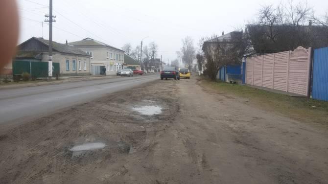 В Климово пешеходы и автомобилисты не поделили дорогу