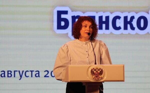Брянский педагог Елена Грачева поборется за звание «Учитель года-2021» в России