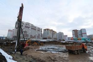 На улице Романа Брянского продолжается строительство школы