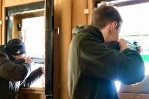 В Фокинском районе Брянска студенты устроили стрельбу