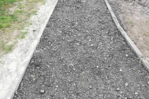 Брянцы пожаловались на недоделанный тротуар в 10 микрорайоне