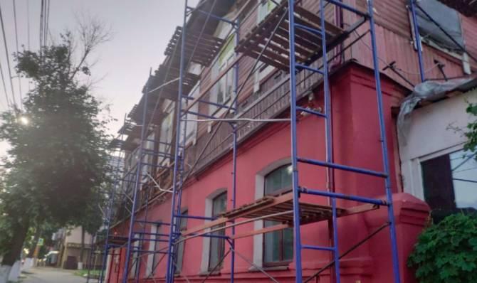 В Брянске ремонтируют сгоревшее здание с баром Rolling's