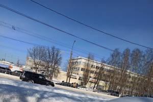 В Фокинском районе Брянска во время движения загорелся автомобиль