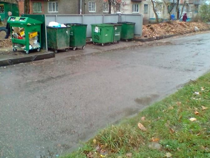 В Брянске убрали зловонную помойку возле детского сада «Василек»