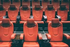 Брянским кинотеатрам  разрешили пустить в зал половину зрителей