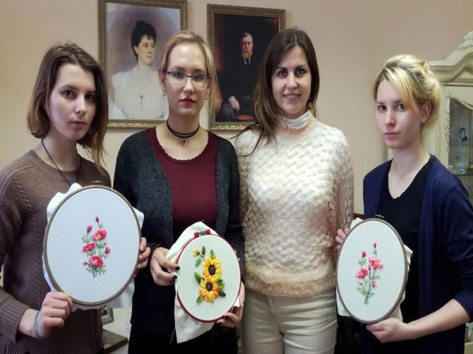 Народные мастера бесплатно научат брянцев изготавливать сувениры