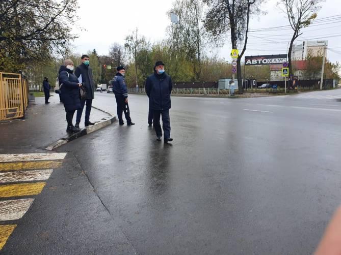 В Брянске за отсутствие маски оштрафовали 8 таксистов