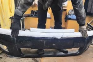 В Брянске виновник ДТП забрал бампер подбитого им автомобиля