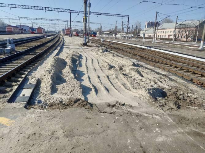 Начался ремонт платформ на железнодорожном вокзале Брянск-Орловский