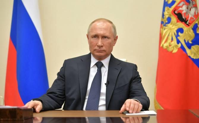 Путин наградил почетной грамотой 17 брянских медиков за борьбу с коронавирусом