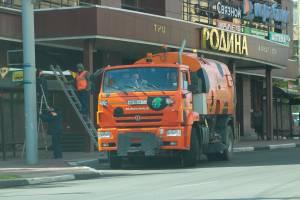 В Брянске за неделю с городских улиц вывезли 3,5 тысяч тонн песка