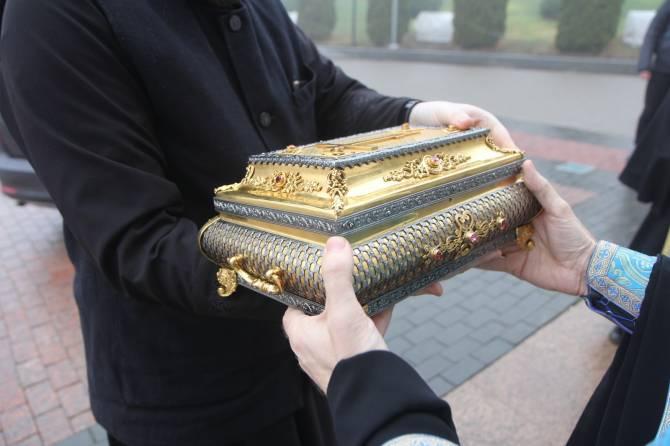 В Брянск доставили пояс Богородицы