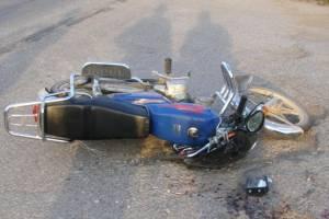 В жуткой аварии в Брянске 14-летний мотоциклист сломал позвоночник