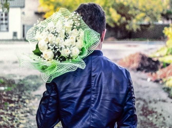 В Брянске у невесты в кафе украли цветы