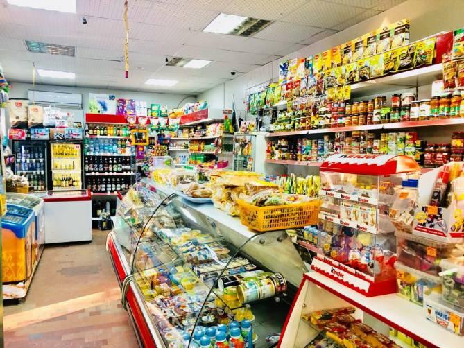 В Дубровке магазин продавал подозрительные продукты