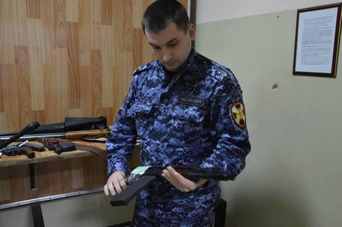 Жители Брянщины получили более 1 миллиона за добровольно сданное оружие