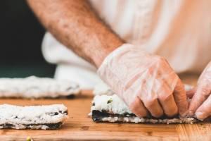 В Брянске тайный ресторан предлагал доставку суши