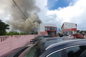 В Брянске загорелись склады магазина «Меркурий»