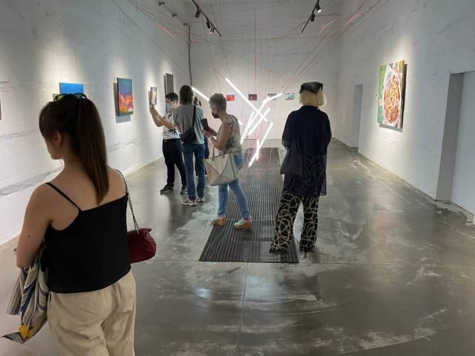 В Брянске открылась выставка «Приготовьтесь, будет громко»