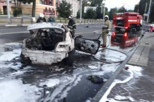 В жутком ДТП на Кургане Бессмертия в Брянске погиб парень